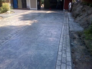Stamp Concrete Driveway w/ Stamp Concrete Borders