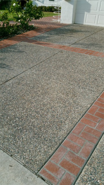 Exposed Aggregate Driveway w/ Stamp Concrete Borders